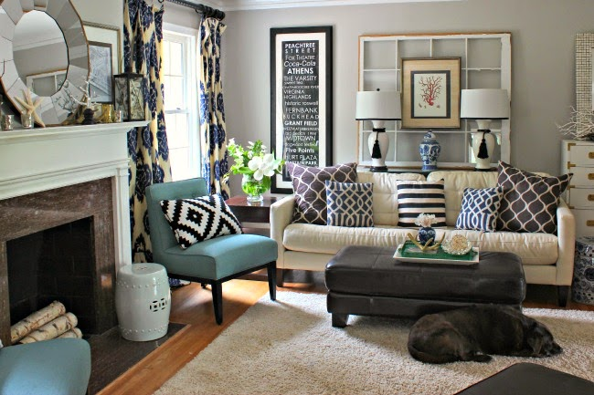 Southern state of mind charming home tour town for Rooms to go living room