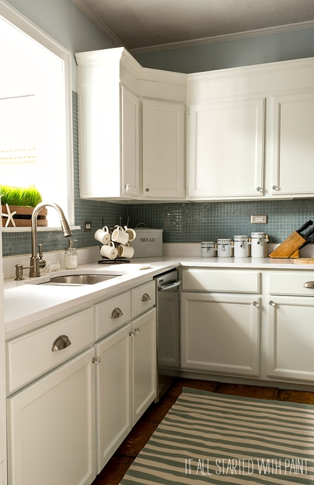 13 Blogger Kitchens. Some with Painted Cabinets, some without.