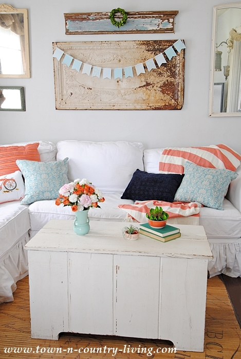 Home Tour. Spring Decor in the Family Room.