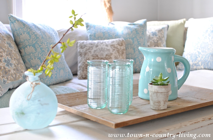 Iced Tea Service. Coffee Table Styling Ideas