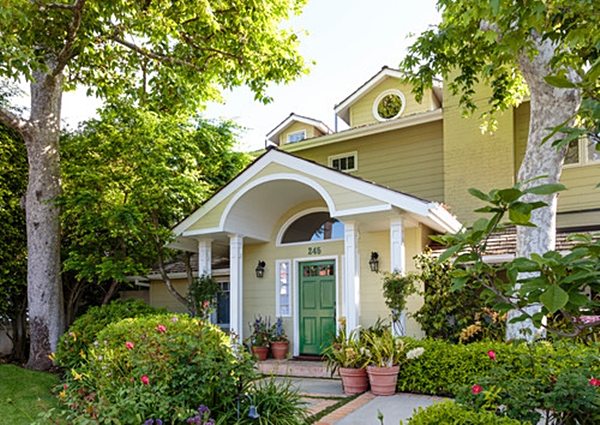 Colorful Cottage in Santa Monica