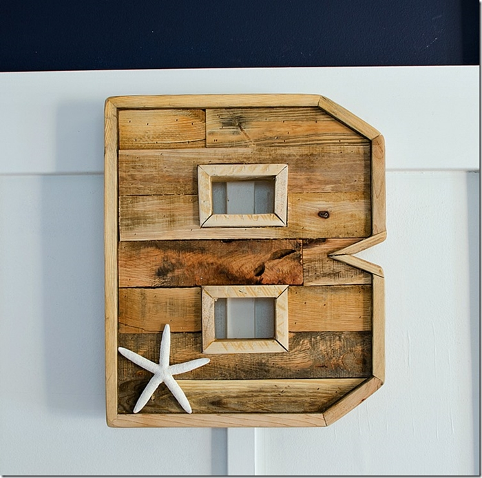 DIY Pallet Projects. Monogrammed Letter.