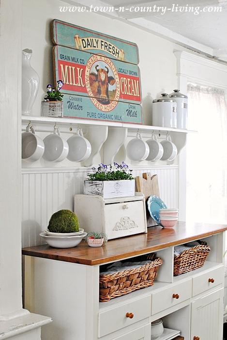 cow graphic sign in farmhouse kitchen - Farmhouse Kitchen Decor
