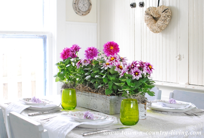 Pink and Green Table Setting for Spring