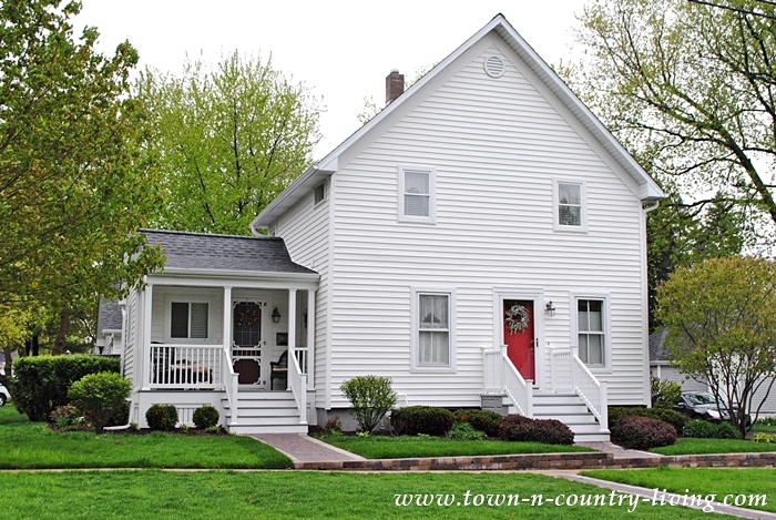 Classic White Clapboad House and Other Historic Homes in Sycamore, Illinois