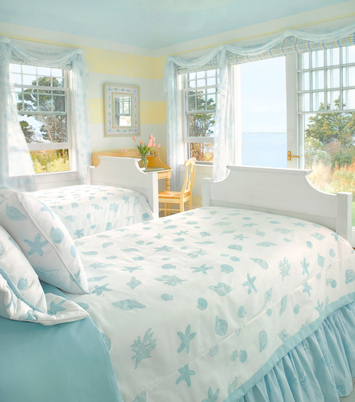 Coastal style how to get the look town country living for Blue beach bedroom ideas