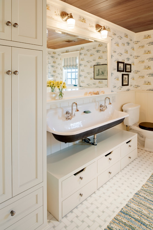 Charleston Cottage Bathroom