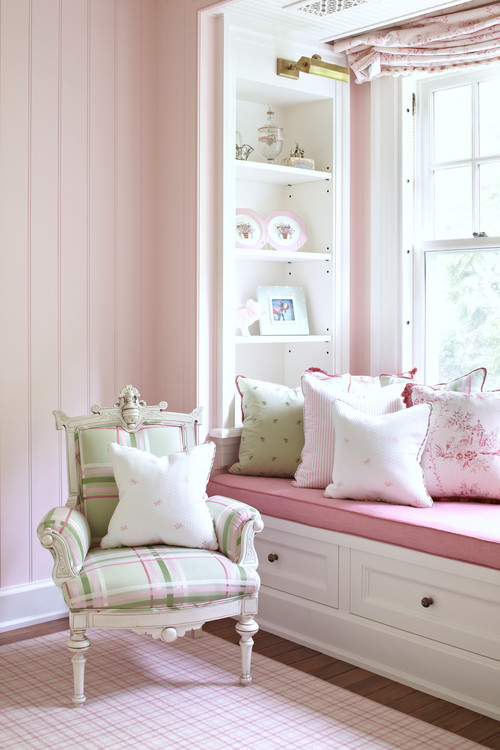Decorating with Pink and Green in Shabby Chic Style
