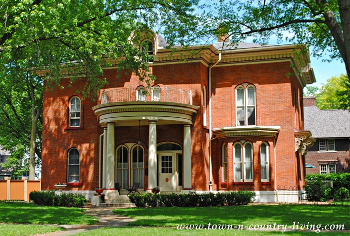 Red Brick Mansion in Ottawa Illinois