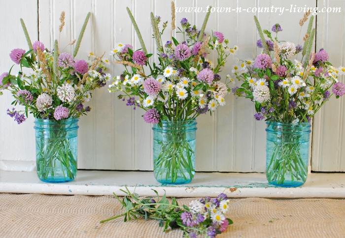 How to Make a Wildflower Arrangement