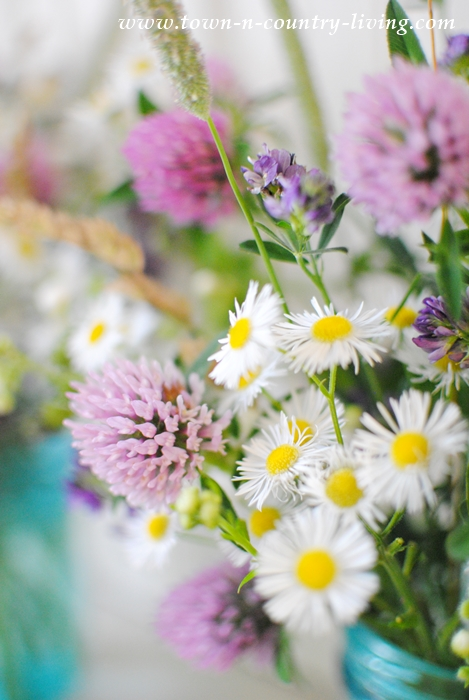 Wildflower Bouquets are Easy to Make, and They're Free!