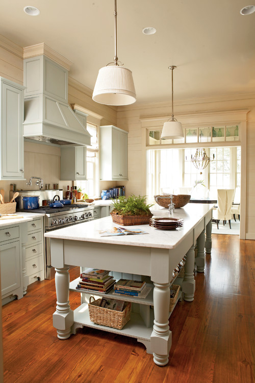 Cottage Kitchen with Large Kitchen Island