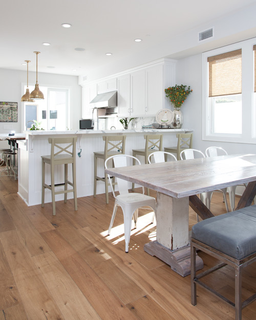 Cape cod cottage charming home tour town country living for Kitchen stools cape town