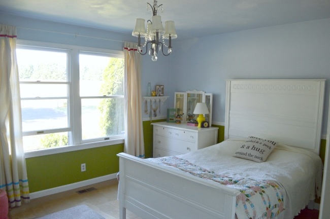 Girls Teen Bedroom in Green and Blue