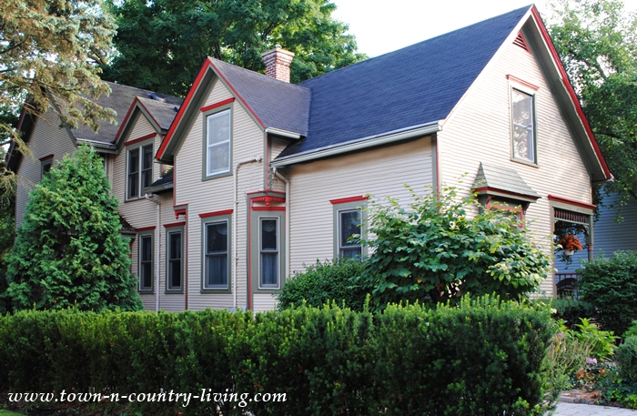 Cozy Cottage with Fun Orange Trim