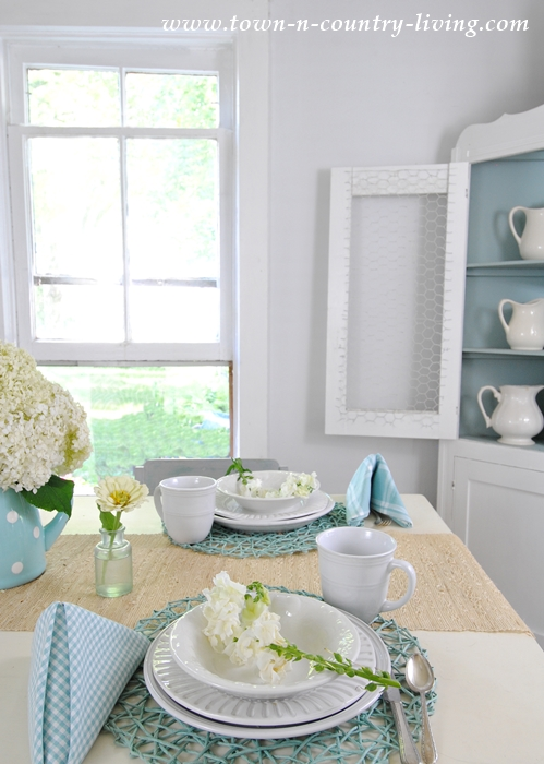 Summer Table Setting in Farmhouse Dining Room