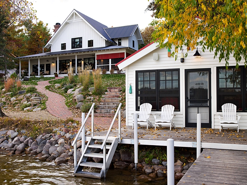 Beautiful Minnesota Lake House with Farmhouse Style