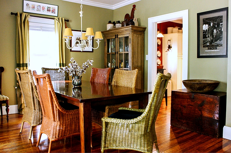 What 39 s your favorite flea market find town country living for Period dining room ideas