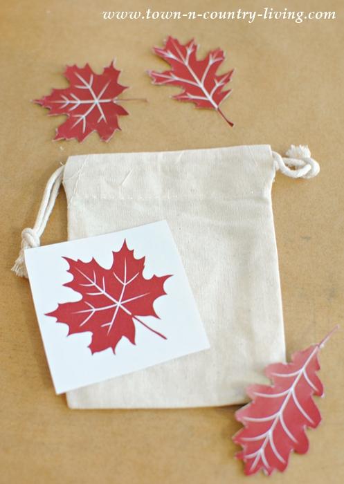 How to transfer fall leaf prints to mini drawstring bags