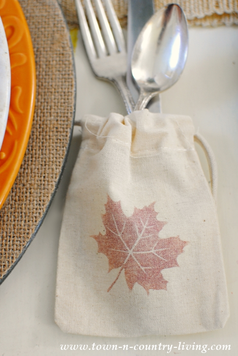 How to transfer a leaf graphic onto a drawstring bag