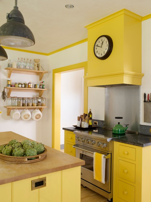 Connecticut Farmhouse Kitchen in Yellow
