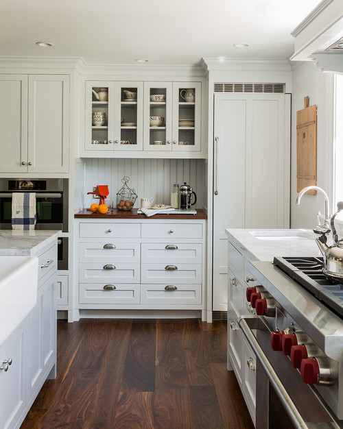Renovated Colonial Farmhouse Kitchen