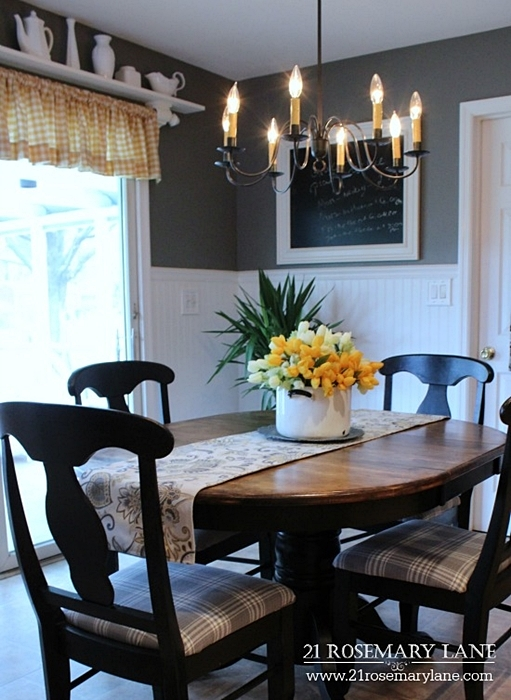 French Country Style Breakfast Nook