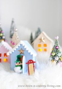 Christmas Village: Free Printable to Make Your Own