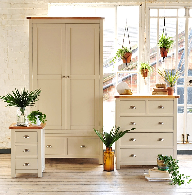 Country Home Furnishings By The Cotswold Company Town Country Living