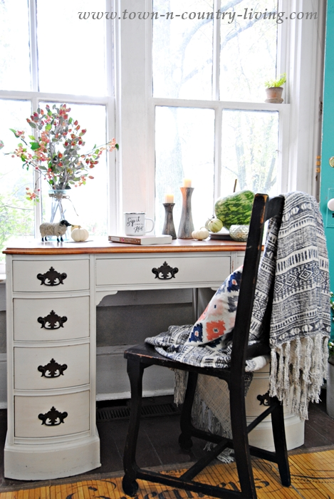 Fall Decorating Ideas in the Entryway