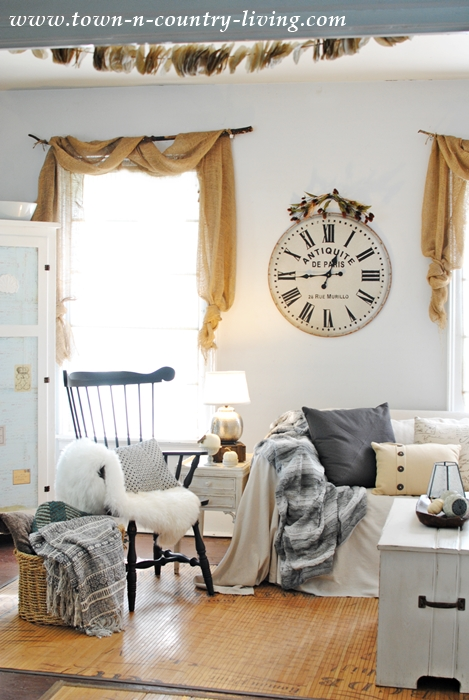 Fall Neutrals in a Farmhouse Family Room