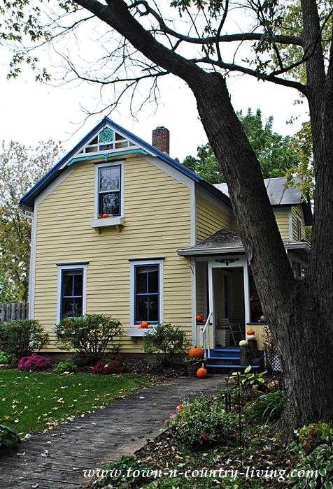 Illinois Farmhouse Decorated with Pumpkins