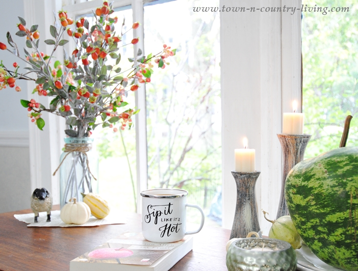 Fall Vignettes on an Entryway Desk