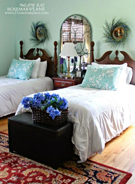 Guest Bedroom in Blue