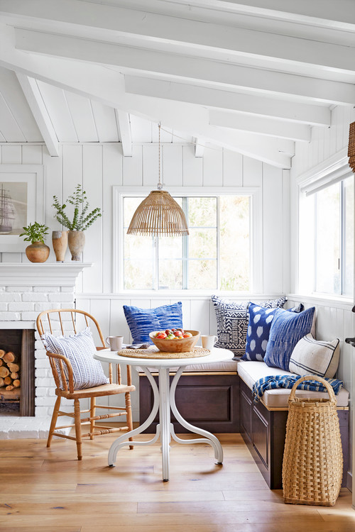 Windsor Chair joins a charming breakfast nook