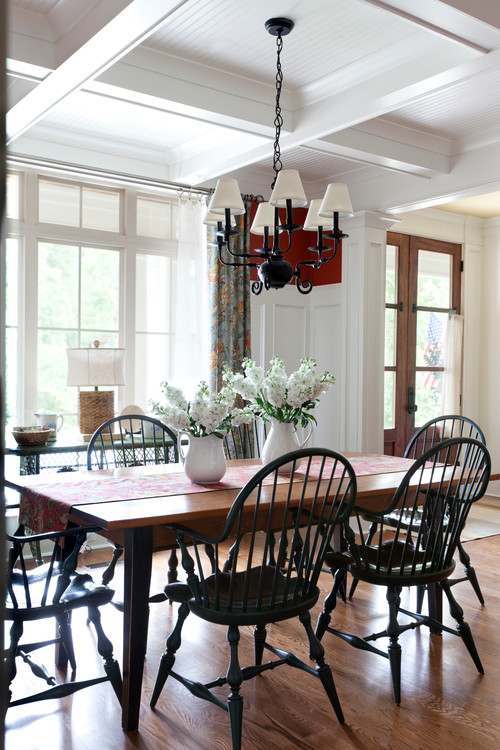 Windsor chair a timeless beauty town country living for Black n white dining rooms