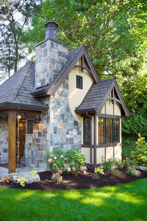 Stone Cottage Home Exterior