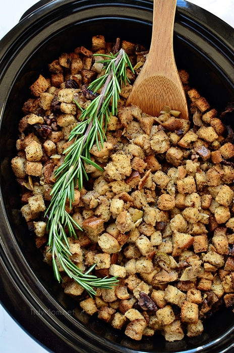 07-slow-cooker-stuffing-pic.jpg