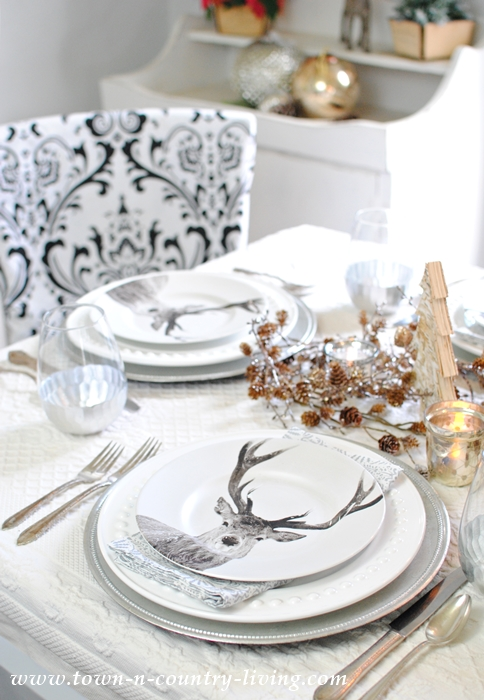 Tips for creating a festive Christmas table setting  sc 1 st  Town \u0026 Country Living & Deer Table Setting for Christmas Entertaining - Town \u0026 Country Living