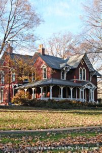 Charming Older Homes in Riverside, Illinois
