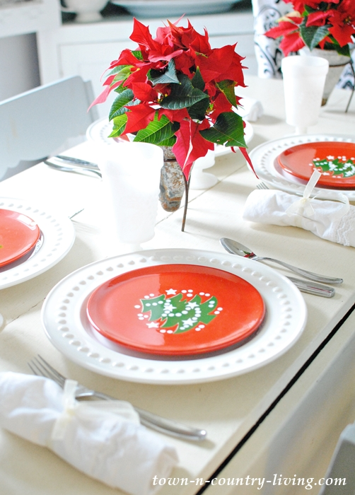 Christmas Brunch Table Setting in Red and White
