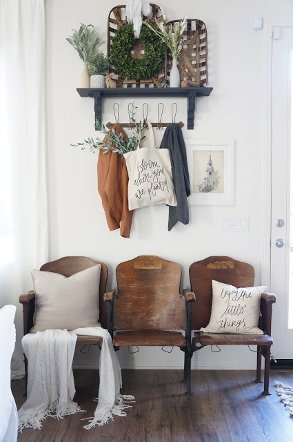 Farmhouse Entryway