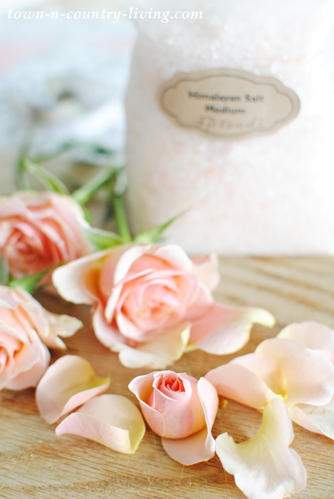 How to Dry Rose Petals to Make Rose Bath Salts