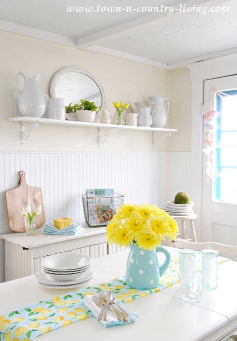 Spring Farmhouse Kitchen