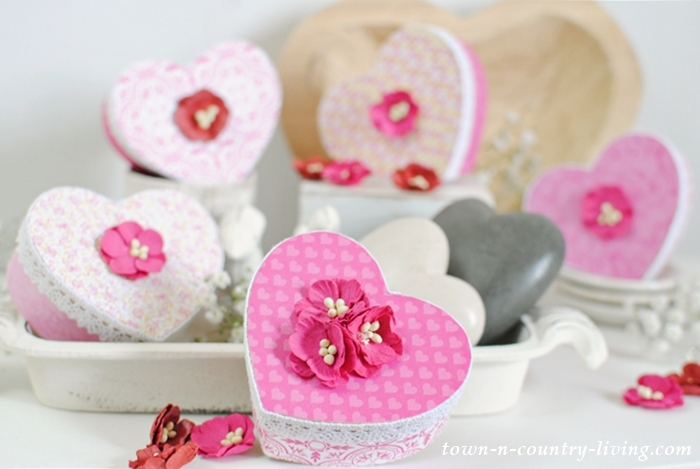 See how to make Valentine heart boxes.