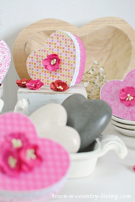 Valentine Heart Boxes. Fill with candy or little love notes.