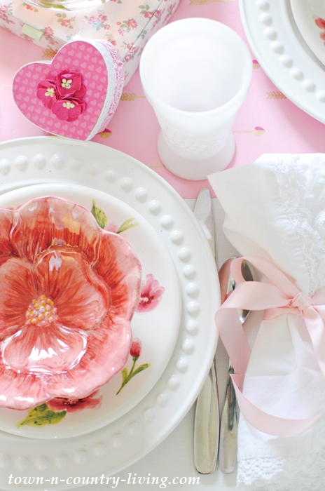 Flower Bowls for a Pretty Pink and White Table Setting