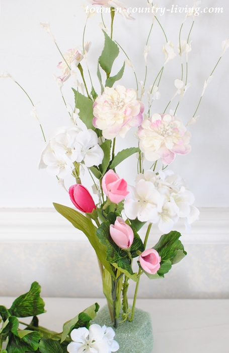 How to make a quick and easy floral centerpiece