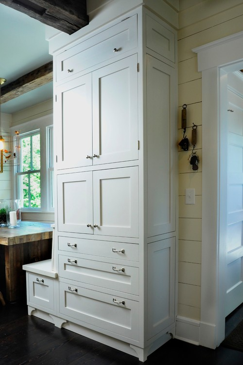 Custom Cabinetry in Farmhouse Kitchen