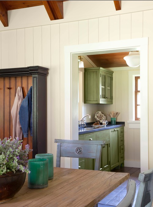 Butler's Pantry with Sink